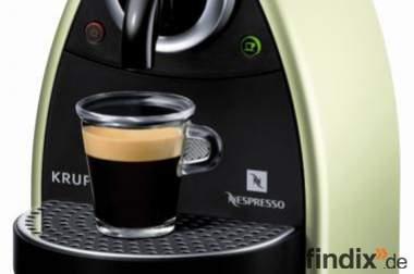 *** Tolle,neuwertige Nespresso-Maschine zu verkaufen***