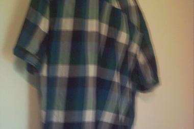 10 Modisches Kurzarm Hemden und 1 Langarm Hemd