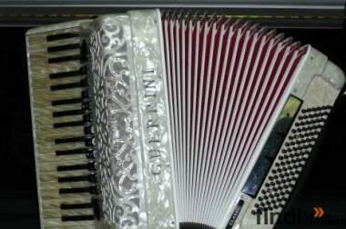 Akkordeon in großer Auswahl - mit 1 Jahr Gewährleistung