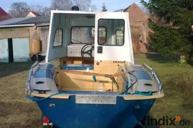 Angelboot mit Vorderkajüte