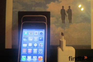 Apple iPhone 3GS - 32 GB Schwarz (Ohne Simlock) top neuwertig 4 U