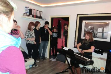 Ausgebildete Sängerin gibt Gesangsunterricht