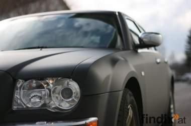 Auto in matt schwarz? Sofort möglich durch Auto folieren!