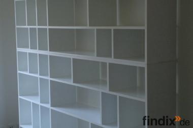 Bücherregal aus MDF