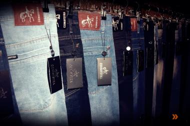 Comaystra Jeans 540,-€ Excellente New York