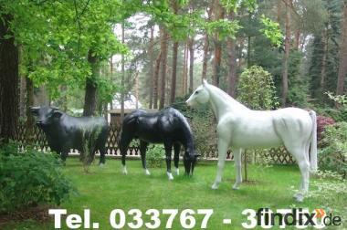Das könnte in Deinen Garten stehen - Deko Pferd oder Deko Bulle