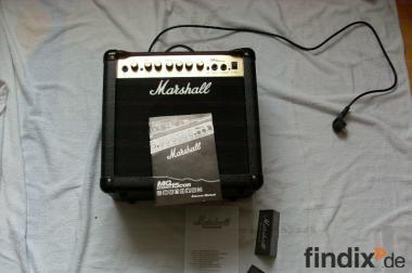 E-Gitarren-Verstärker aus dem Hause Marshall. Modell: MG15CDR.