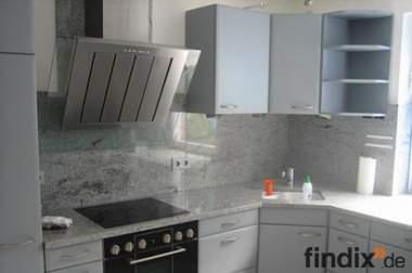 Edel Einbauküche mit Marmorplatten