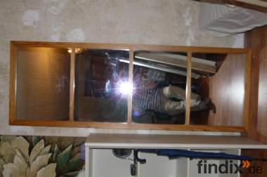 Ein selbst gefertigter vierteiliger Spiegel.