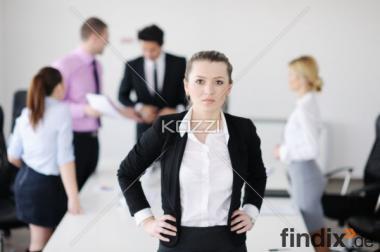 Erfolgsorientiertes Unternehmen sucht PC - Heimservicemitarbeiter