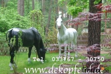 Fang an zu leben… und kauf Dir doch ein Deko Pferd z.B. ...