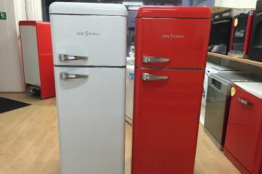 Amica Kühlschrank Retro Creme : Retro kühl gefrierkombination in verschiedenen