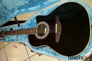 Gepflegte 12-saitige Ovation Gitarre