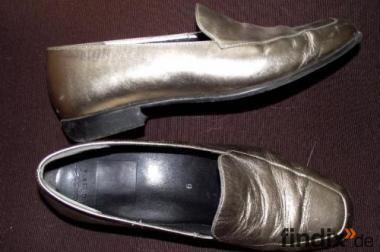 Goldener Damenschuh Gr.39 der Marke Servas