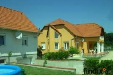 Große villa mit Gästehaus