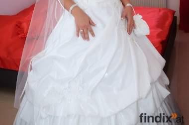 Brautkleid!