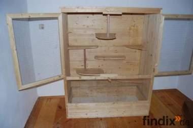 Holzvolieren
