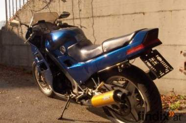 Honda VFR 750F RC24