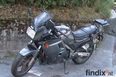 Jamaha FZ 750