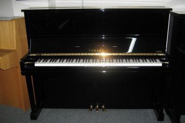 junges gebrauchtes Yamaha U 1 Klavier, Baujahr 1992
