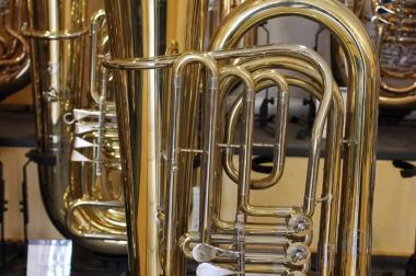 Kompakte Quintus BBb - Tuba, 4 Drehventile, leicht gebraucht