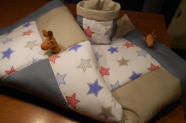 Krabbeldecke Sterne mit Elchen zum Entdecken+Sitzkissen