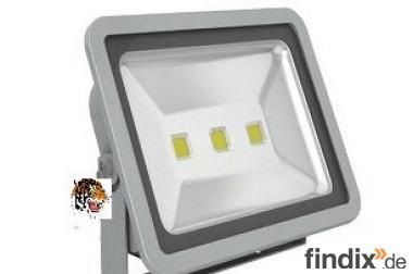 LED-Fluter - 150 Watt - 12.000 Lumen warmweiß oder weiß
