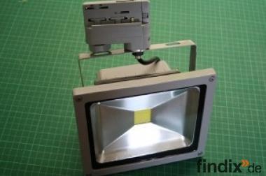 LED-Strahler rechteckig für Schienensysteme mit 20 W Leuchtmittel