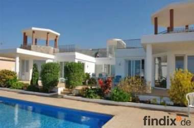Luxusvilla Palazzo auf der Kanaren Insel Teneriffa mit Pool