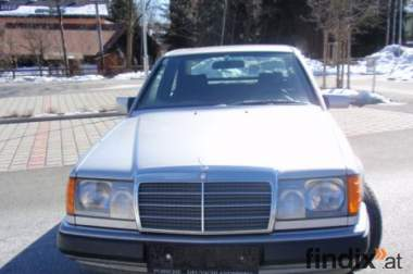 Mercedes W 124  260 E