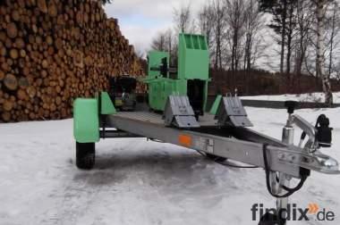 Mobiler Holzspalter der Marke Grille mieten im PLZ 9