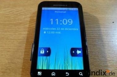 Motorola Defy MB525 schwarz Top Zustand (kein Simlock) +Zubehör