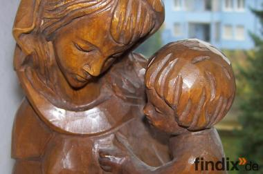 Muttergottes alt Madonna mit Kind handgearbeitet Holzschnitzerei