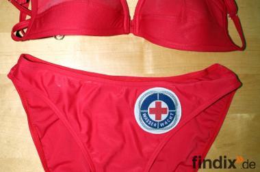 Netter roter neuwertiger Bikini mit Wasserwachtzeichen Gr.S