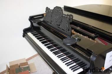 Salonflügel / Klavier