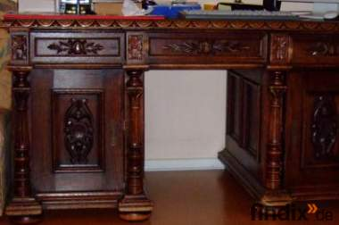 Schreibtisch Eiche massiv und passender Bücherschrank
