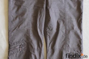 Sehr schöne Khaki 7/8 Hose der Marke Cecil in Gr.28