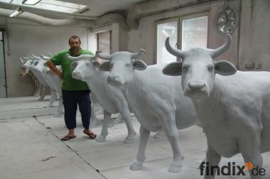 Sie können auch eine Deko Kuh lebensgross als Rohling erhalten...