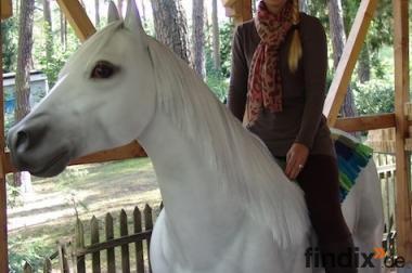Sie möchten auch wie diese Kundin ein Deko Pferd lebensgross