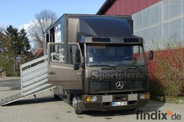 Sonderfahrzeug für Pferdetransporte