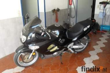 SUZUKI 750 GSX-F  schwarz