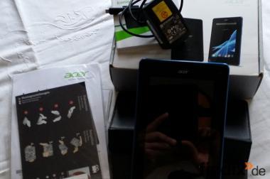 Tablet PC Acer Iconia B1 schwarz mit Hülle und Displayfolie.