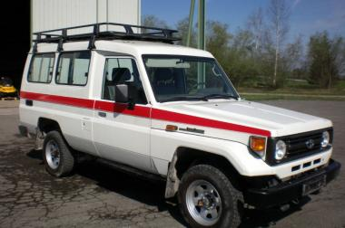 Toyota Land Cruiser HZJ75
