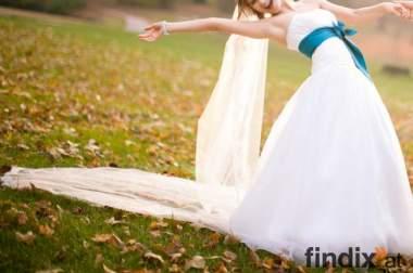 Traumhaftes Hochzeitskleid+ 3m langen Schleier!!!