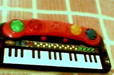 verkaufe piano für kinder