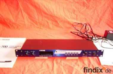 Verkaufe sehr gut erhaltenen Boss SX-700 Effektprozessor.( OrV )