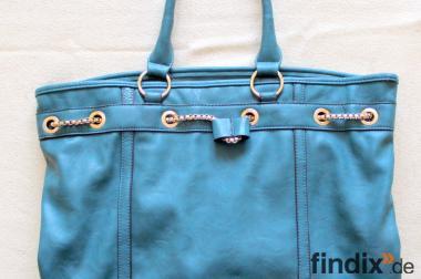 Verkaufe sehr schöne große, grüne neuwertige Handtasche