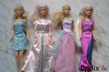 Viele originale Barbies + Zubehör (Autos, Roller, Pferde, Möbel)