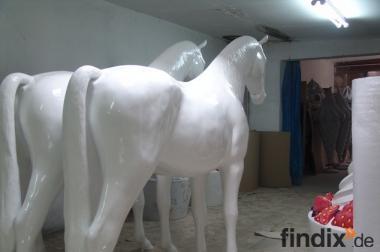 Weisse Deko Pferde lebensgross ...