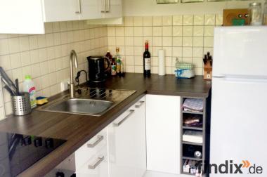 weiße, moderne Einbauküche, 8 Monate alt